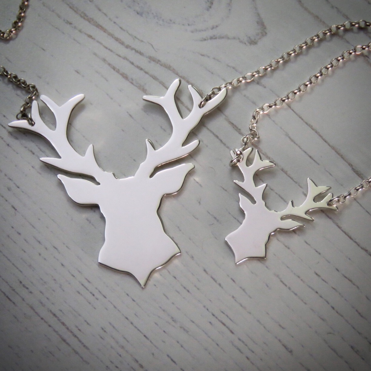 """Sterling Silver Stag Deer Reindeer Pendant with 18/"""" Silver Chain /& Box"""